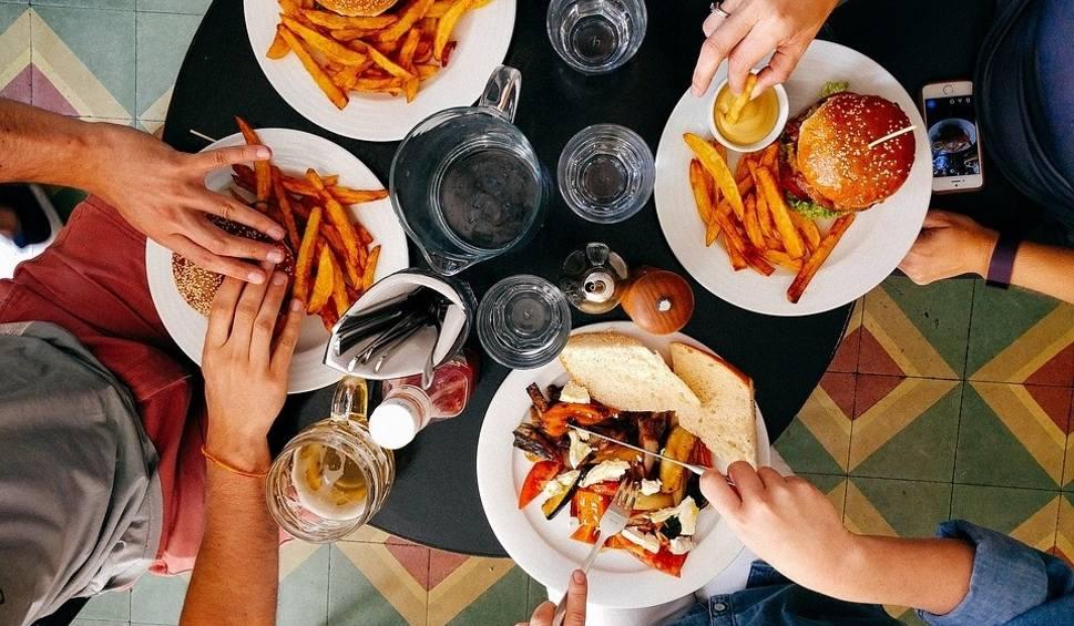 Film do artykułu: Jedz tłusto, będziesz zdrowy! Głupota? Nie! Nowe badania