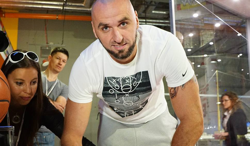 Film do artykułu: Marcin Gortat: Dobrze zarabiam, ale nie mam 5 mln zł, które leżą na stole
