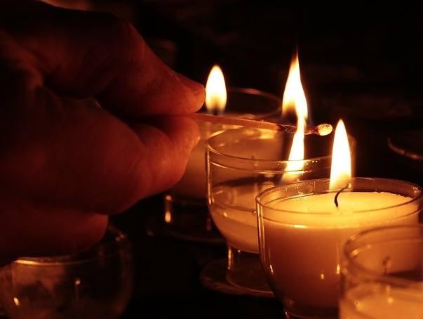 Pogrzeb Pawła Adamowicza: w Śląskiem zapłoną znicze w centrach miast