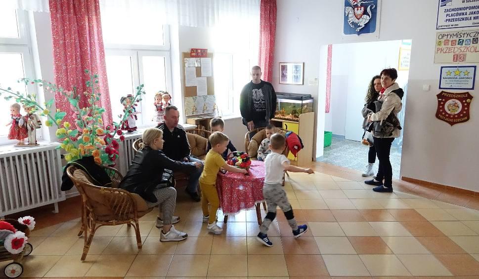 Film do artykułu: Strajk nauczycieli w Koszalinie. Protest w przedszkolu. Rodzicom puszczają nerwy [ZDJĘCIA, WIDEO]