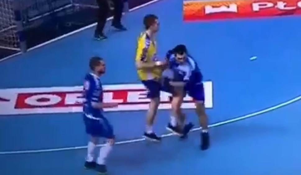 Film do artykułu: Władysławowi Kuleszowi z PGE VIVE Kielce grozi zawieszenie za faul z meczu w Płocku