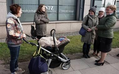 Protest pacjentek Pro Familii przed łódzkim NFZ [ZDJĘCIA, FILM]