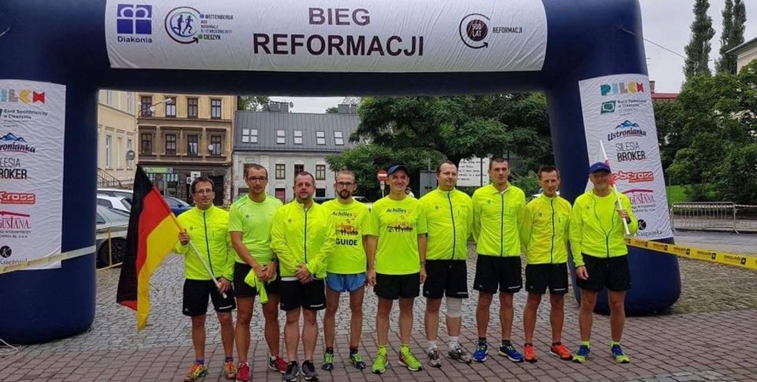 Dziewięciu biegaczy pokonało aż 842 km z Wittenbergi do Cieszyna z okazji obchodów  500-lecia Reformacji, które potrwają do końca października.