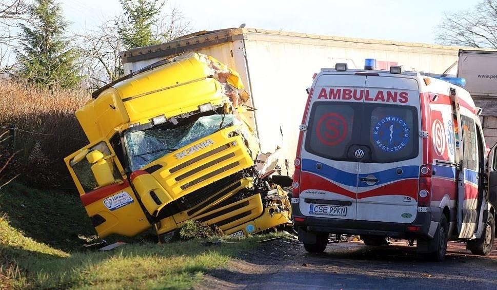 Film do artykułu: Wypadek na trasie Sępólno - Tuchola [zdjęcia, wideo]