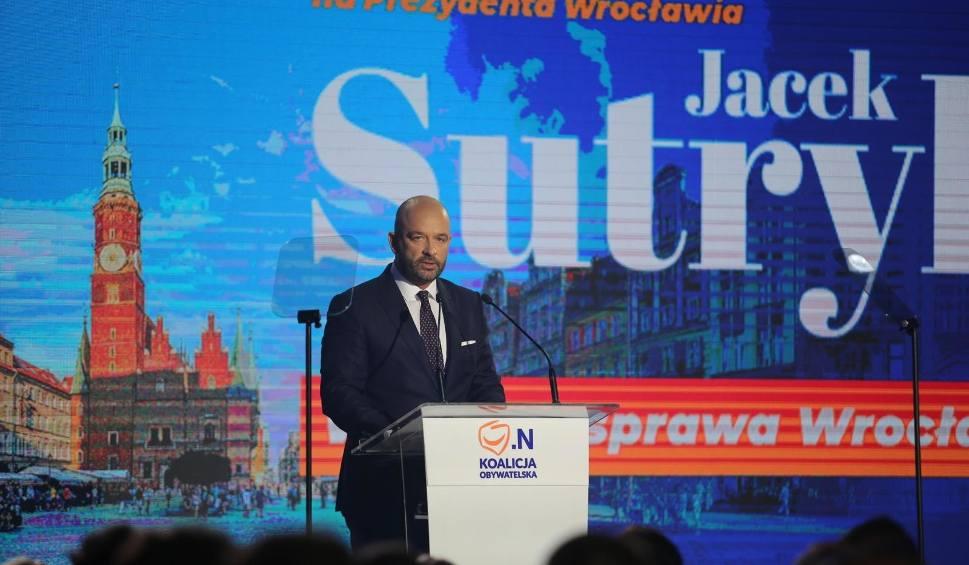 Film do artykułu: Sutryk wygra drugą turę wyborów we Wrocławiu? Słaby wynik ludzi Dutkiewicza [NAJNOWSZY SONDAŻ]