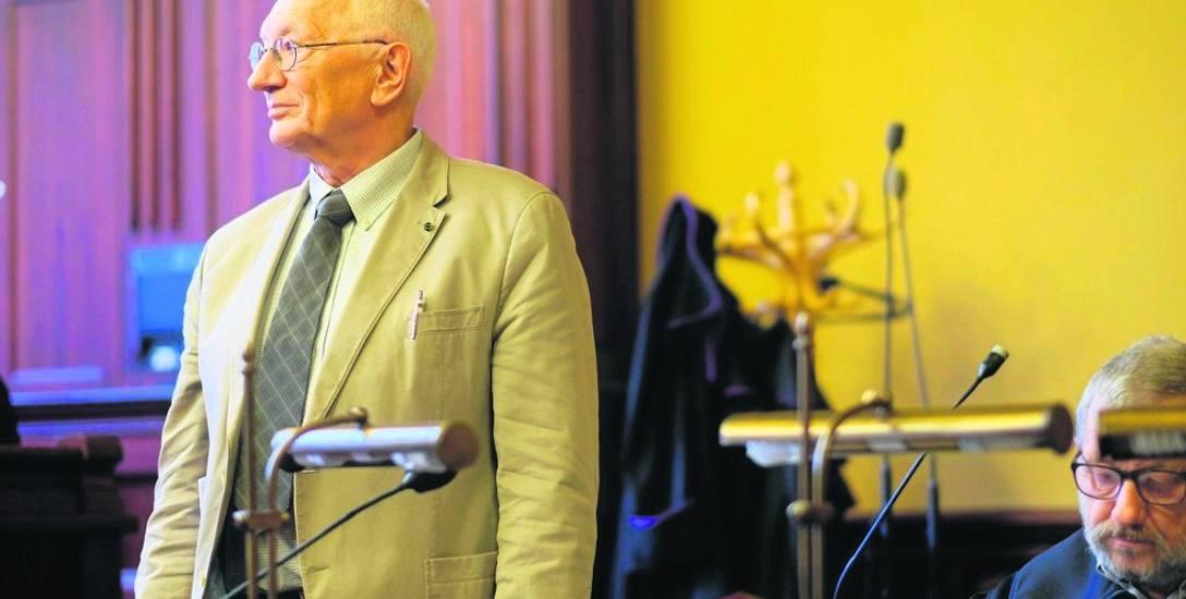 Prof. Andrzej Kowalczyk to znany fizyk, twórca tomografu optycznego. Nie kryje wizerunku ani personaliów