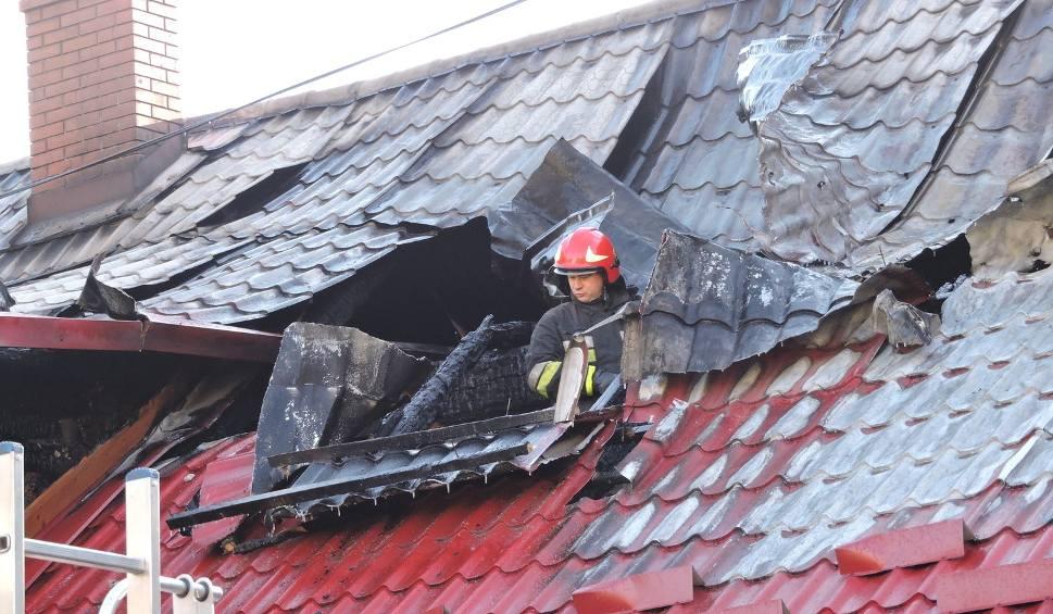 Film do artykułu: Ul. Kościuszki. Pożar śmiertelny w parterowym domu. Nie żyje dziecko (zdjęcia, wideo)