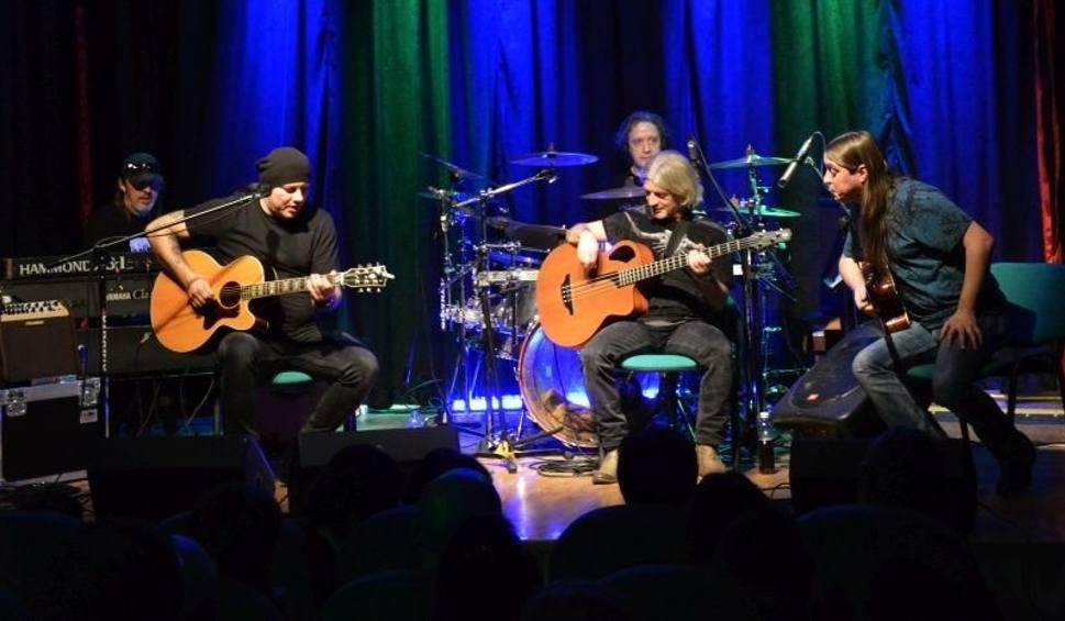 Film do artykułu: Sebastian Riedel z zespołem Cree wystąpili w Pińczowie. Były emocje, blues i rock