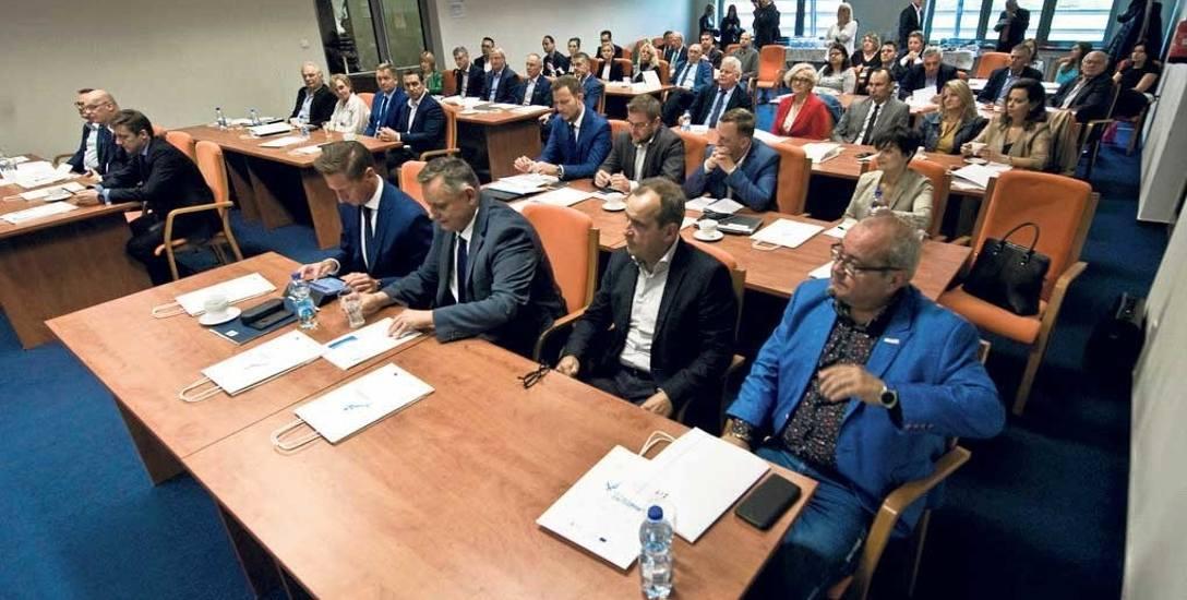 Konferencja na temat programu o nazwie Zintegrowane Inwestycje Terytorialne została wczoraj zorganizowana w sali konferencyjnej w hali widowisko-sportowej