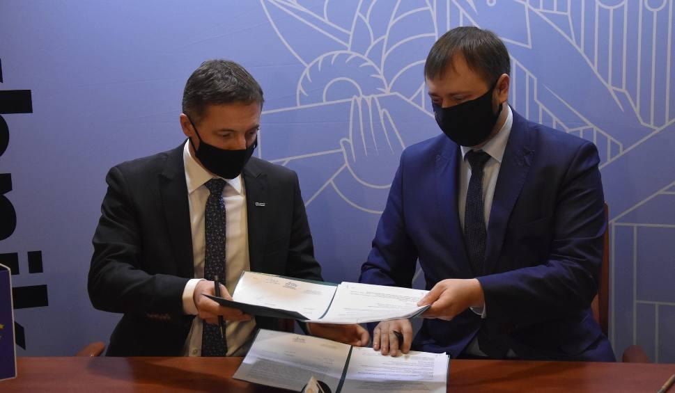 Film do artykułu: Rybnik dostał 17 milionów złotych na termomodernizacje budynków mieszkalnych w Boguszowicach i Niedobczycach