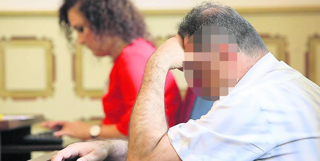 Taksówkarz za pośrednictwem adwokata Adama Wygralaka zaproponował poddanie się karze 3 miesięcy więzienia i  2 lat prac społecznych. Rodziny się nie