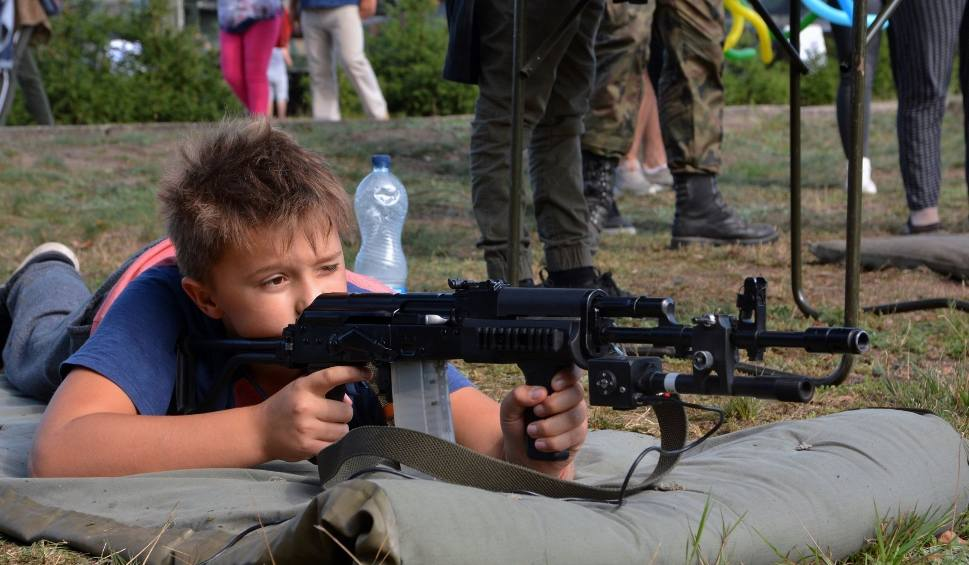 Film do artykułu: Rodzinny Piknik Wojskowy na Stalagu w Żaganiu [ZDJĘCIA]
