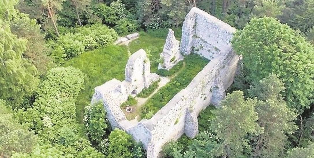 Z zamku w Bydlinie zostały przede wszystkim mury świątyni, która powstała na jej fundamentach. Są też ślady suchej fosy