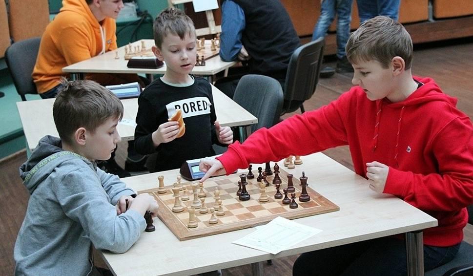 Film do artykułu: Poznaliśmy szachowego mistrza Skarżyska-Kamiennej