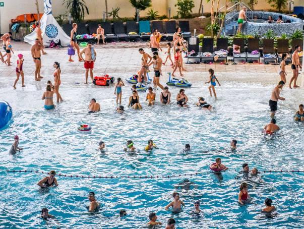 Obecny akt oskarżenia dotyczy śmierci 38-letniego mężczyzny w basenie z ciepłą wodą. Do tej tragedii doszło w lipcu 2017 roku. Z kolei wcześniej w termach