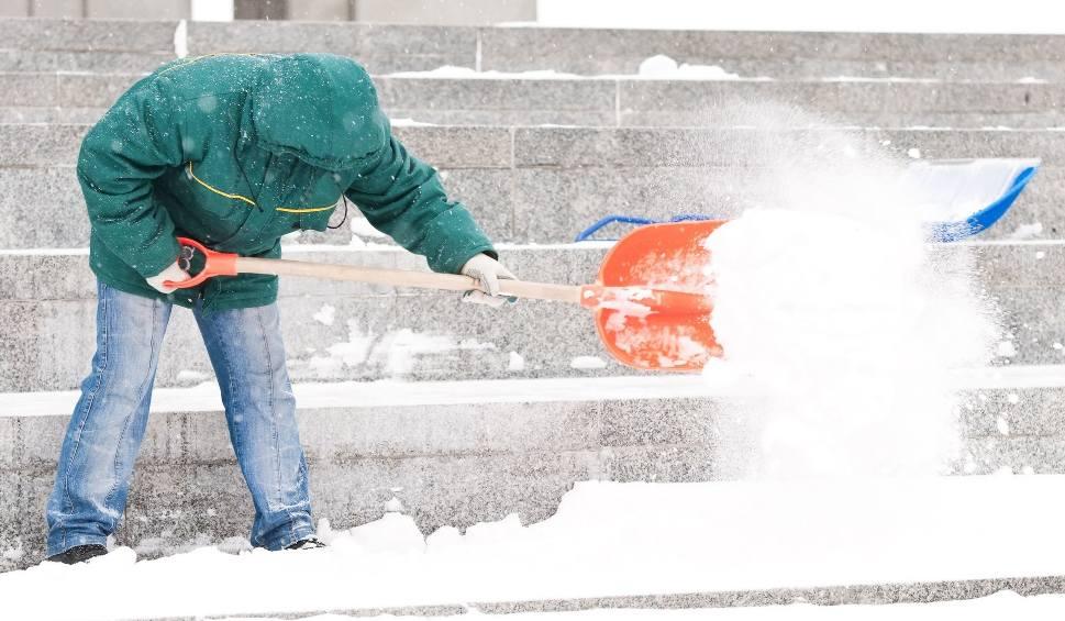 Film do artykułu: Pogoda w Świętokrzyskiem. Będą śnieżyce, gołoledź i wichury!