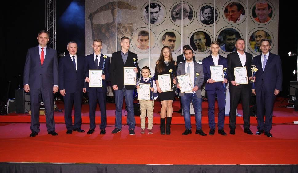 Film do artykułu: Oto najpopularniejsi sportowcy, trener i talenty powiatu starachowickiego 2016 (WIDEO, ZDJĘCIA)