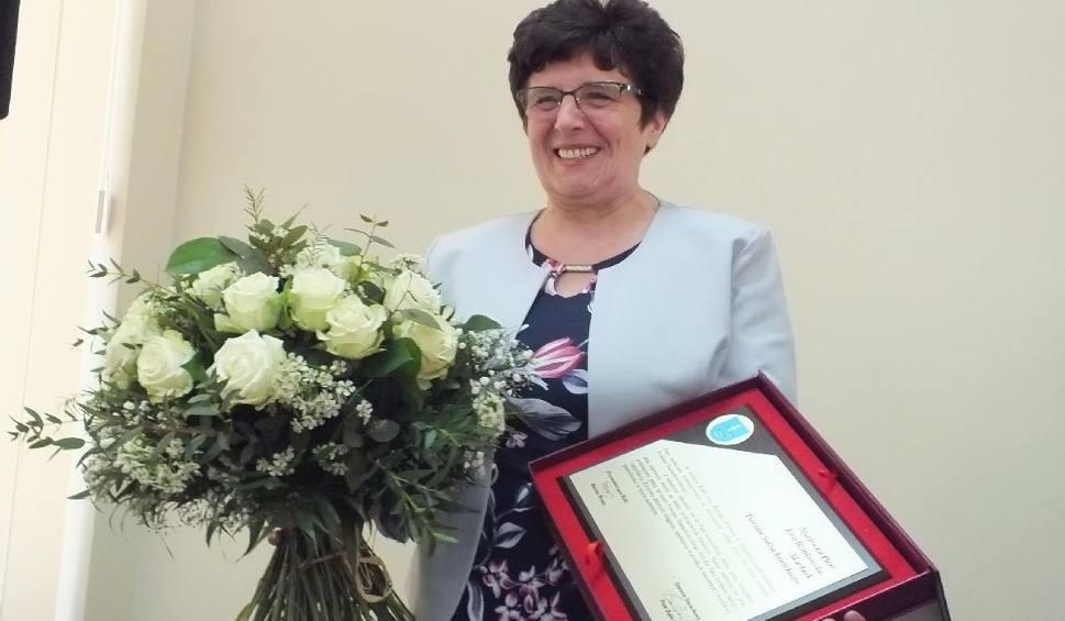 Film do artykułu: Ewa Bzinkowska, skarbnik powiatu starachowickiego odeszła na emeryturę