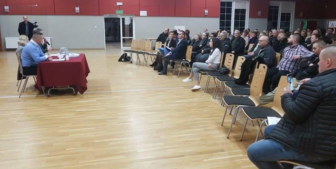 Blisko 200 osób uczestniczyło we wtorkowym spotkaniu z inwestorem, które odbyło się w Gminnym Ośrodku Kultury w Potęgowie.