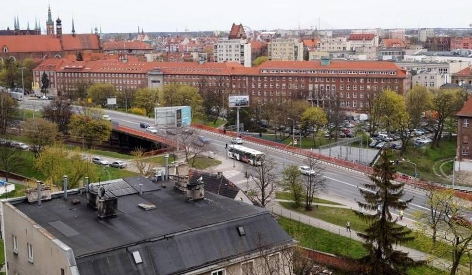 Film do artykułu: Nowe wiadukty Biskupia Górka. Kolejna zmiana organizacji ruchu na Trakcie św. Wojciecha