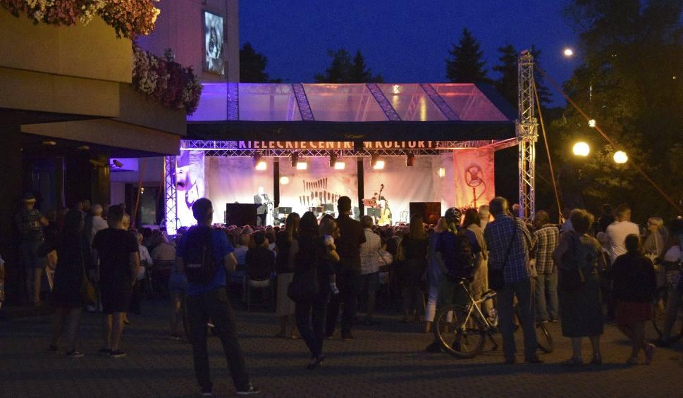 Film do artykułu: Strauss Ensemble, Magdalena Idzik i Jakub Oczkowski urzekli widownię w Kielcach [WIDEO, zdjęcia]