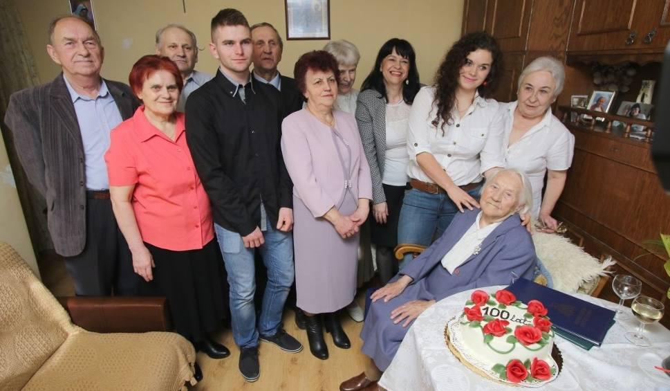 Film do artykułu: Julianna Trojanowska z Kielc ma 100 lat! Jest wielką optymistką