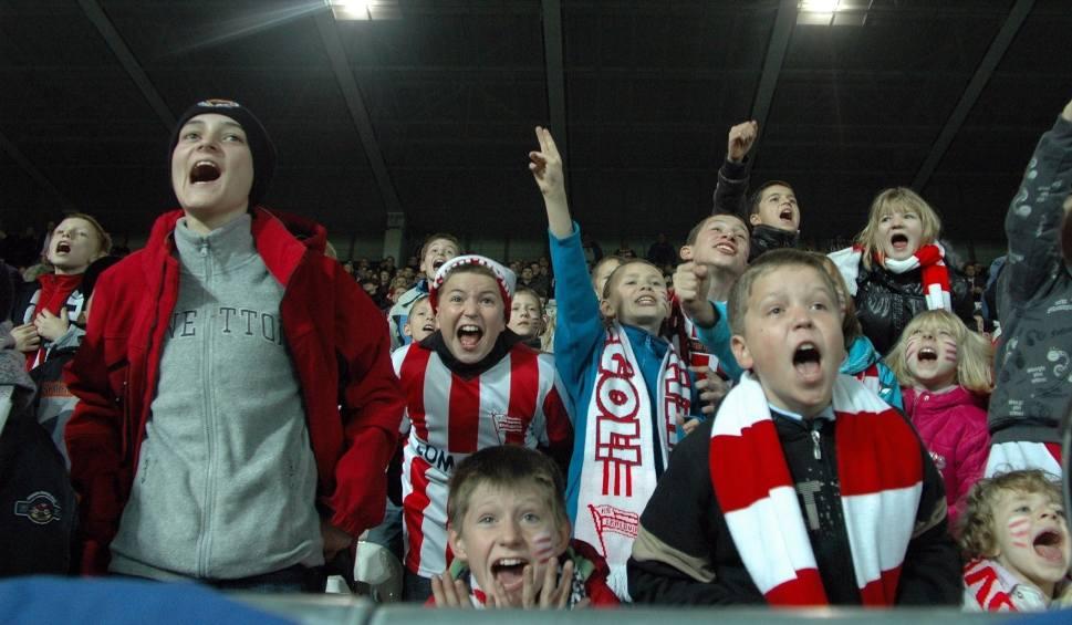 Film do artykułu: Derby Krakowa tylko dla dzieci i młodzieży! Cracovia zaprasza szkoły
