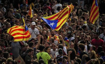 Hiszpania może zawiesić polityczną autonomię Katalonii