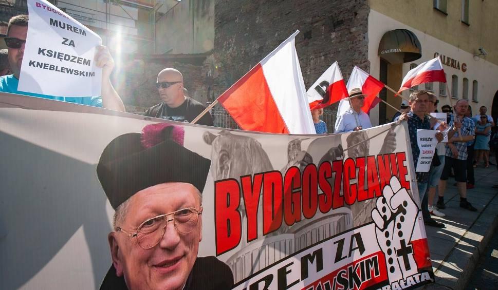 Film do artykułu: Biskupie Tyrawo po prostu stąd wyjedź - apelowali pikietujący