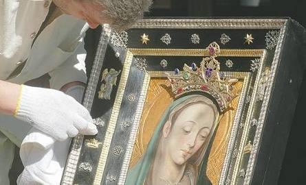 Wizerunki Matki Boskiej: Ludzie od wieków do Nich pielgrzymują
