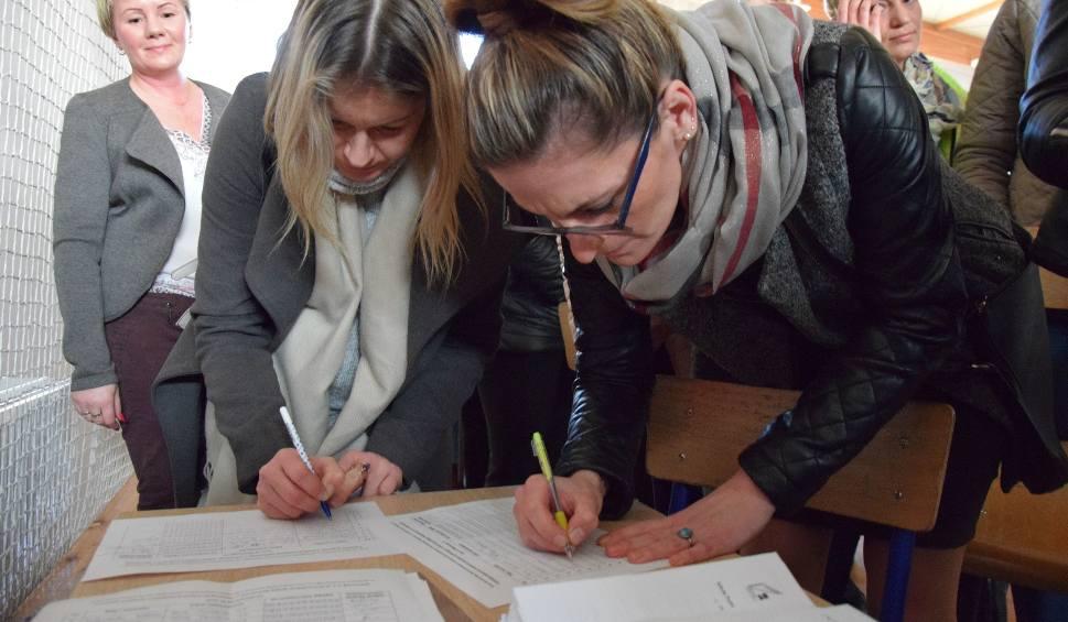 Film do artykułu: Gimnazjum w Barwicach chce stać się podstawówką [zdjęcia, wideo]