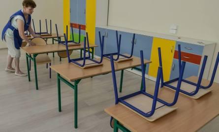 - Brakuje 12 milionów na wypłaty na nauczycieli i nikt z urzędujących nie potrafił odpowiedzieć na pytanie skąd je wziąć - mówi Mariusz Janas, przewodniczący