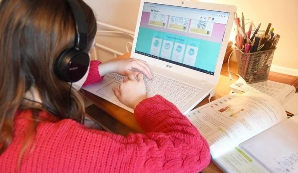 Film do artykułu: 35 laptopów dla uczniów w całym Gorzowie! Taką pomoc podczas epidemii koronawirusa dostają szkoły od rządu w ramach projektu Zdalna Szkoła