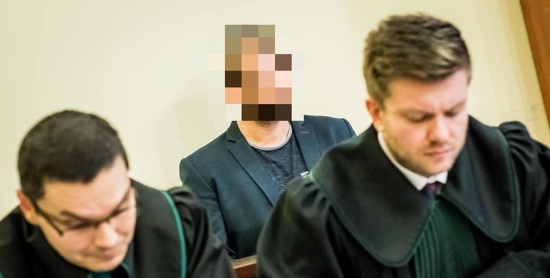 8 stycznia odbyła się w kolejna rozprawa ws. Rafała P., oskarżonego o znęcanie się nad swoją żoną. Wczoraj zeznawała siostra byłego radnego PiS.