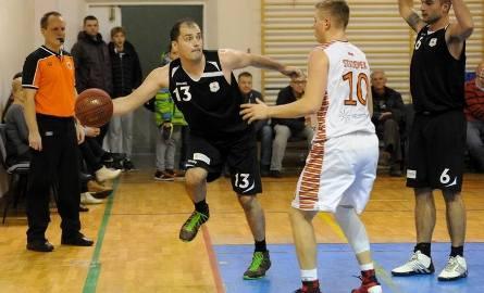 SSK Rzeszów (czarne stroje) okazało się w swoim turnieju najlepsze. Gorzej powiodło się przemyskiej drużynie