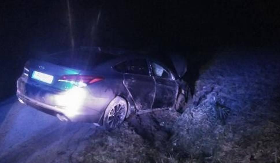 Film do artykułu: Nocny wypadek w Wiatowicach. Jedna osoba w szpitalu