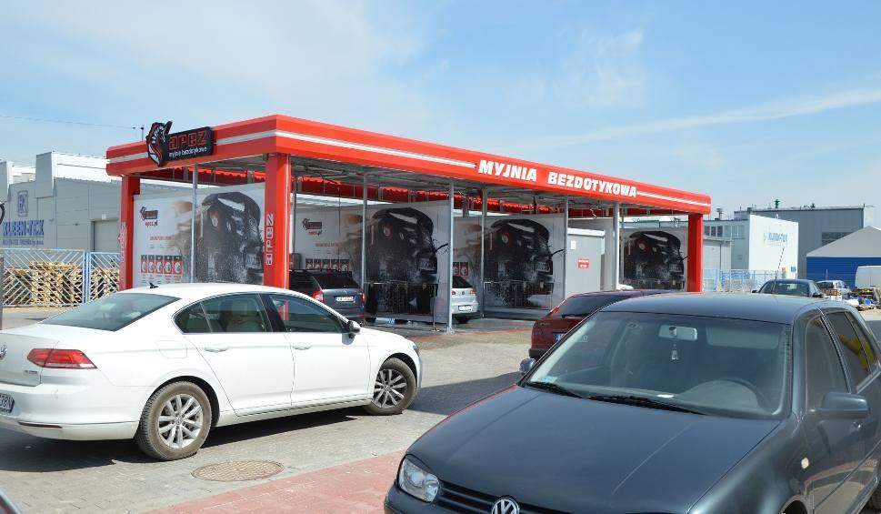 Film do artykułu: Nowa myjnia samochodowa otwarta w Suchedniowie