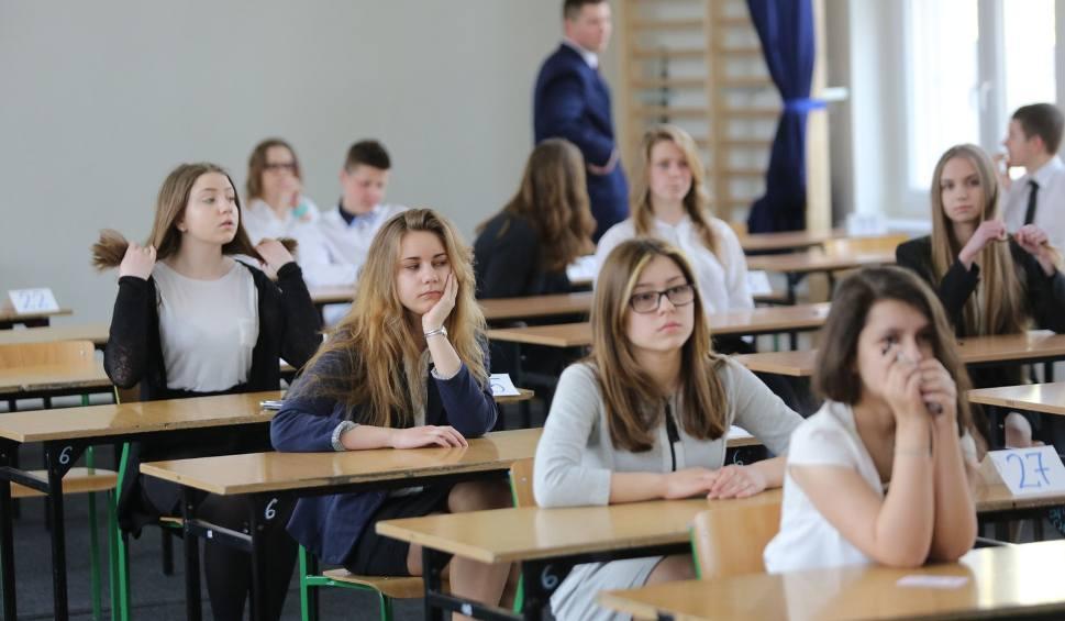 Film do artykułu: Próbny egzamin gimnazjalny 2016/2017 OPERON - matematyka, część przyrodnicza [ODPOWIEDZI]