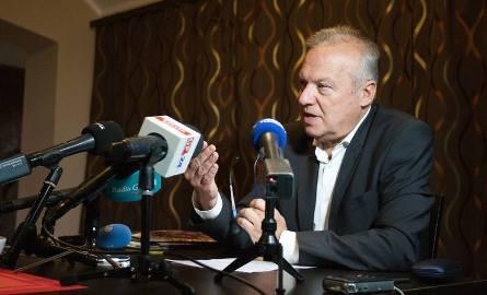 Andrzej Twardowski podał się do dymisji.