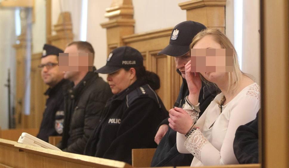 Film do artykułu: Prokurator oskarża: Grzegorz B. zabił, matka się znęcała. W Rzeszowie rozpoczął się proces o zabójstwo półrocznego Maksa