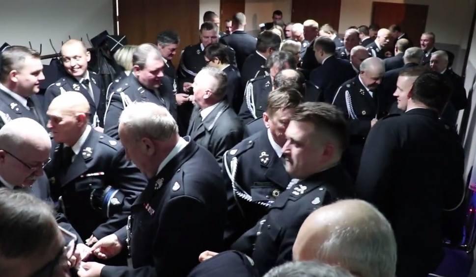 Film do artykułu: Wigilijne spotkanie strażaków Ochotniczych Straży Pożarnych z gminy Moszczenica [VIDEO]