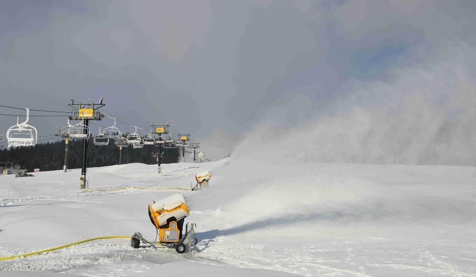 Film do artykułu: Podhale. Pierwsze wyciągi narciarskie startują już w ten weekend [ZDJĘCIA]