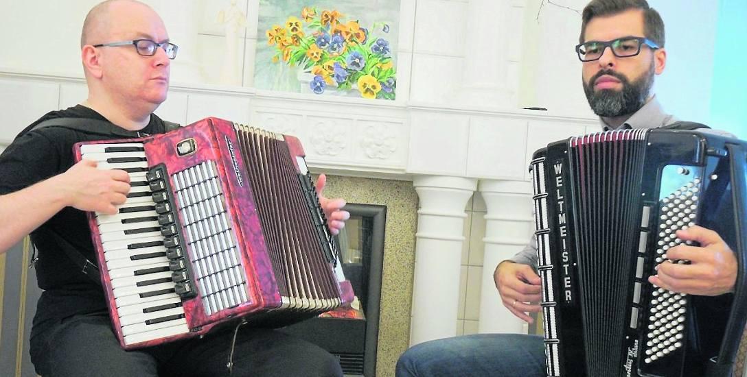 Arka Korytkowskiego i Michała Sawickiego łączy nie tylko przyjaźń, ale przede wszystkim miłość do akordeonów