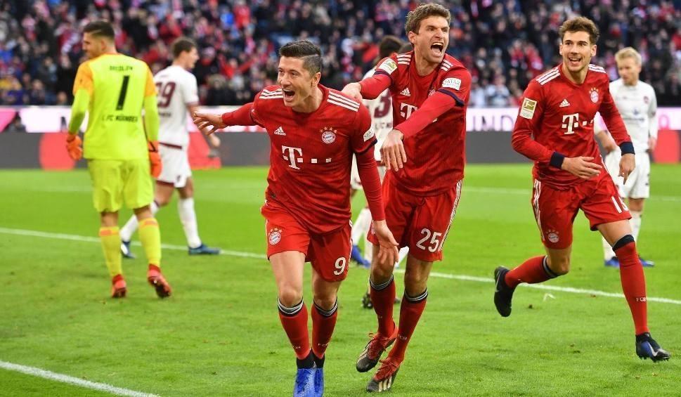 Film do artykułu: Hannover 96 - Bayern Monachium, Bundesliga. Bayern zdemolował rywala. Bramka Lewandowskiego [wynik meczu, relacja]