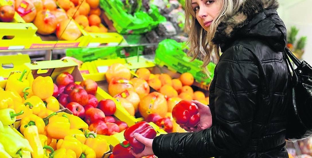 W porównaniu do analogicznego okresu 2018 r. ceny żywności są dziś wyższe o 6,5 proc. Podrożały m. in. warzywa (o 16,3 proc.) i owoce (12,5 proc.)