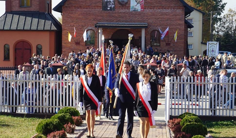 Film do artykułu: Wielkie święto w Wliczkowicach. Stuletnia szkoła otrzymała imię świętego Jana Pawła II