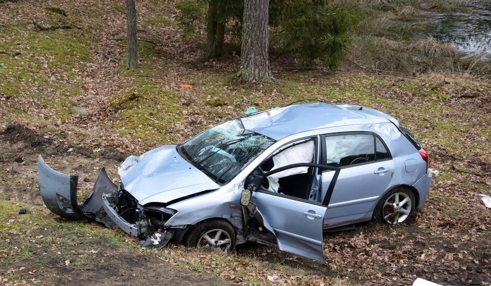 Film do artykułu: Wypadek koło Dretynia na drodze krajowej nr 21 (zdjęcia,wideo)