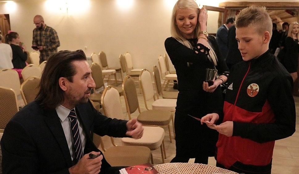 Film do artykułu: Tomasz Iwan na gali Sportowca Roku 2017: Kilku młodych dostanie szansę na wyjazd do Rosji