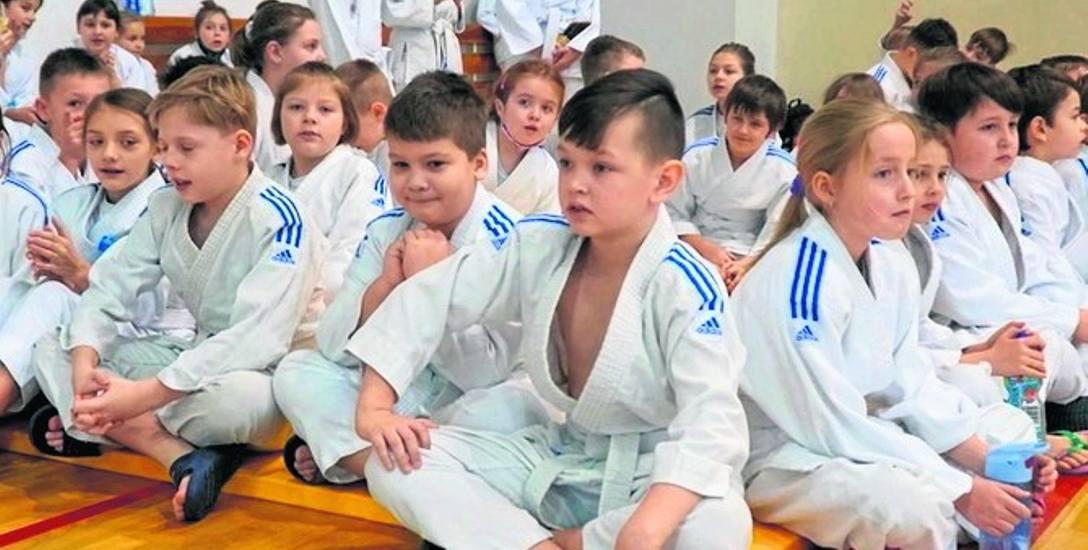 Rocznie klub odwiedza blisko 500 młodych zawodników