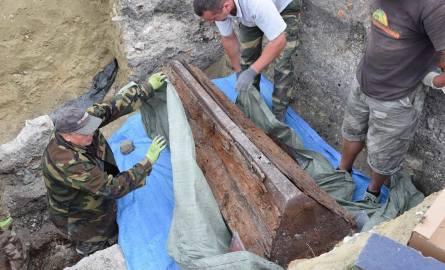 Odnalezione szczątki trafią do badań antropologicznych, a następnie zostaną umieszczone w kryptach chełmskiej Bazyliki